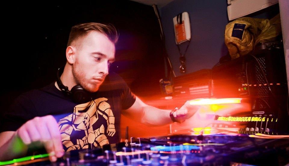 DJs and Discos are the perfect party entertainment provided by Platinum Entertainment Agency.