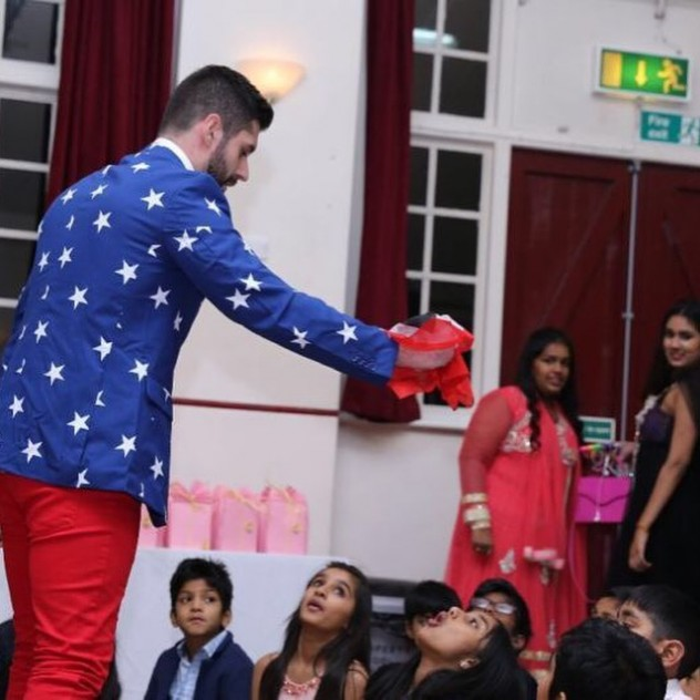 Professional Kids Entertainer and magician Magic Tony