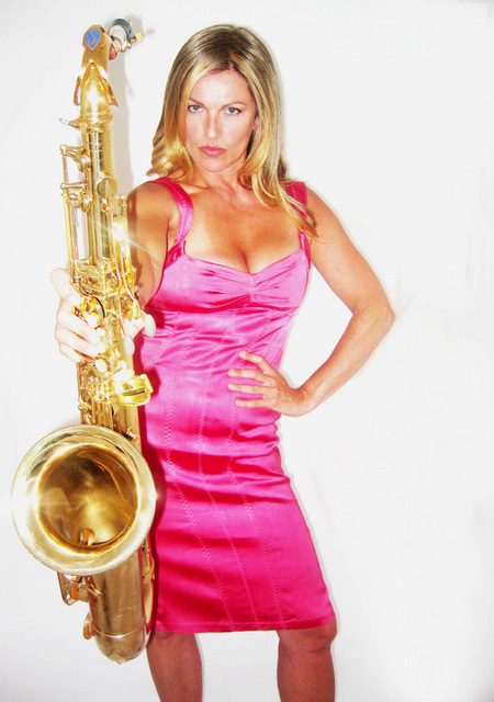 Professional clarinetist, pianist, vocalist and sax player Suzi.