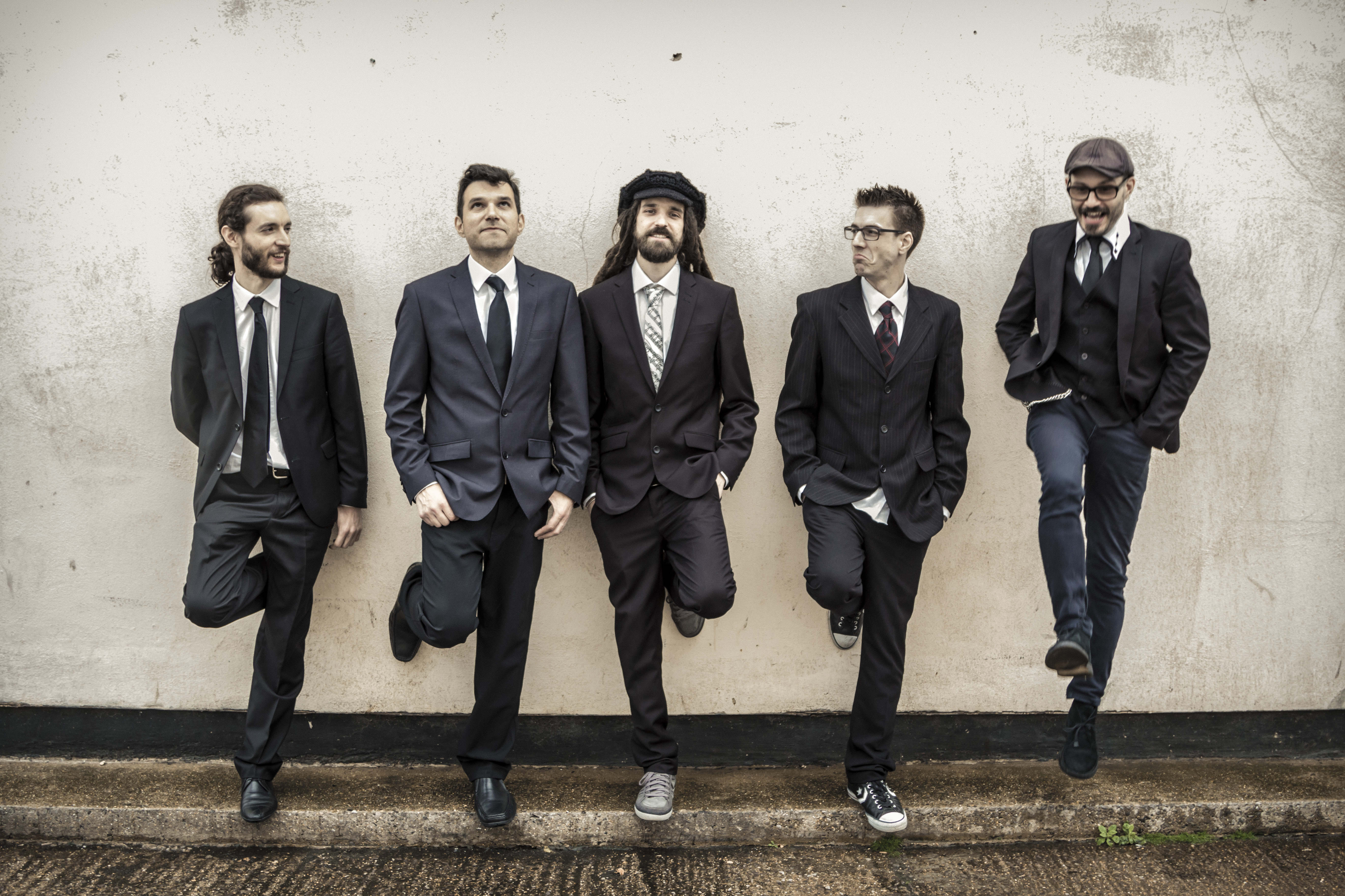 Platinum Entertainment works with great Cover Band Burning Shoez in London and Kent.